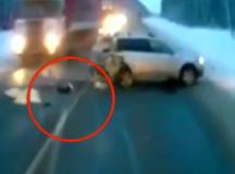 Bebé se salva de milagro tras impresionante accidente en Rusia