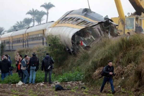 Diecinueve muertos al descarrilar un tren cerca de El Cairo