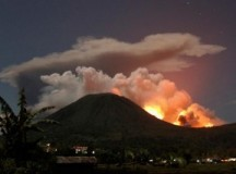 INDONESIA: Entró en erupción el volcán Lokon en Indonesia