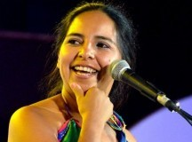 COSQUÍN: La salteña Mariana Carrizo resiste a lo efímero y fortalece lo inmortal