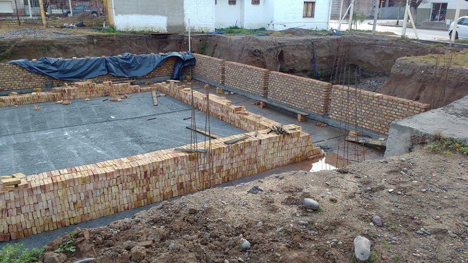 La barcaza construcci n de pileta de nataci n 3 for Materiales para construccion de piscinas