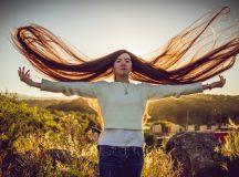 CÓRDOBA –  Abril tiene 17 años y su cabello le llega casi a los tobillos: es récord Guinness