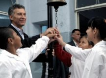 Macri inaugura el ciclo lectivo en Corrientes y se enfrenta a un paro nacional de Ctera