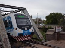 En día del corte de puente, el tren que Neuquén-Cipolletti volvió a funcionar