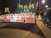 """Madereros cortaron el puente """"viejo"""" que une Neuquén y Cipolletti"""